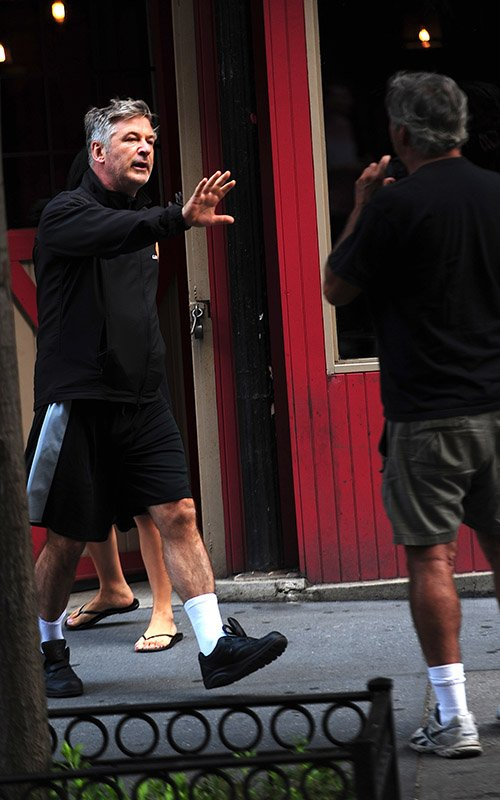 alec-baldwin-papa-fight-2013