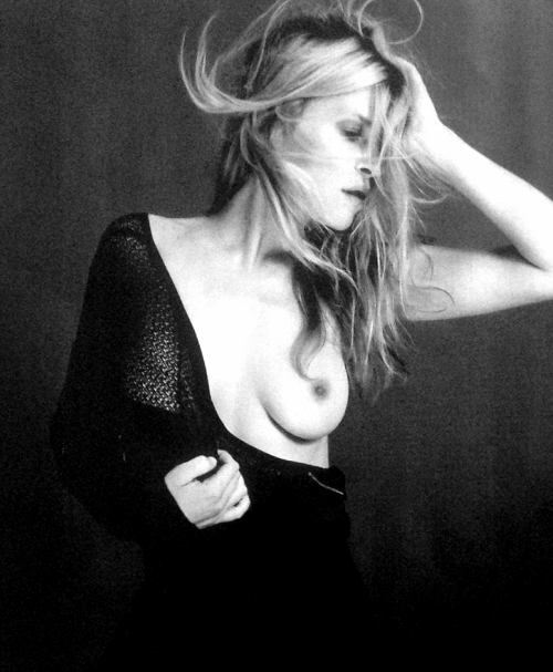 clemence-poesy-topless-lui-magazine-october-2013